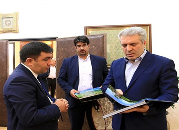 Iranian official hails relations with Azerbaijan