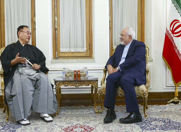 Japan's new ambassador submits credential to Zarif