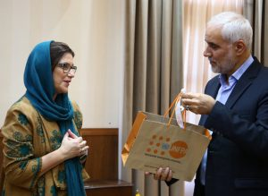 Meeting with the Governor-General of Isfahan