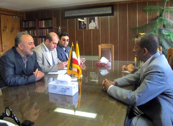 بازدید سفیر اتحادیه کومور در تهران از کتابخانه مجلس