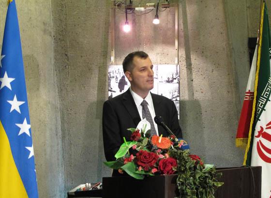با حضور سفیر بوسنی نمایشگاه شهدای سربرنیتسا برگزار شد