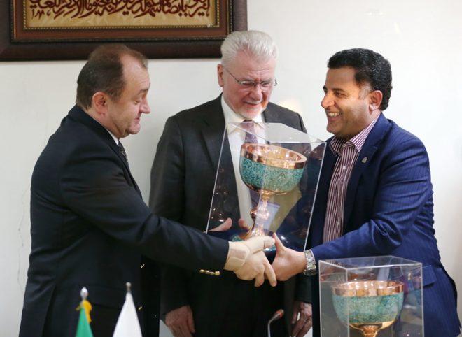 بازدید سفیر و نماینده نخست وزیر مجارستان از دانشگاه علوم پزشکی شهیدبهشتی