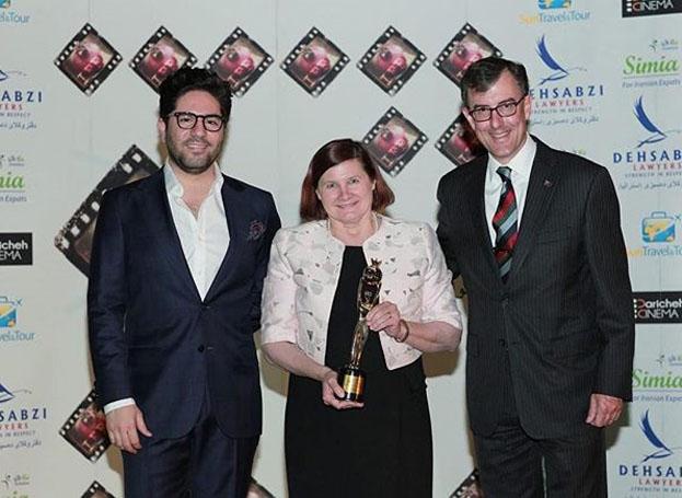 اهدای جوایز فیلمهای ایرانی در باغ سفارت استرالیا