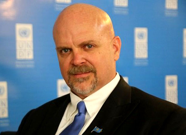 گری لوئیس: درکنار دولت ایران برای رفع چالش های زیست محیطی تلاش می کنیم