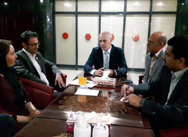 دیدار گروه تئاتر آینا با معاون سفیر بوسنی در ایران