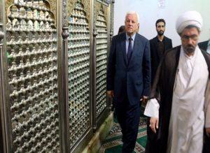 سفیر عراق در ایران: چفیه حضرت آقا را خیلی دوست دارم