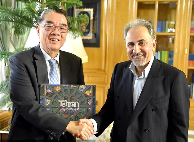 سفیر سنگاپور: تهران فرصتهای بسیاری برای توسعه و سرمایهگذاری دارد