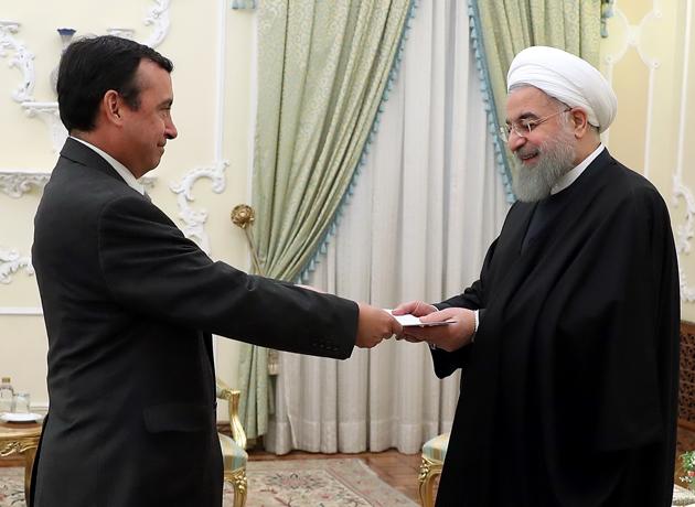 رئیس جمهور هنگام دریافت استوارنامه سفیر جدید شیلی: ایران خواهان توسعه همکاری با شیلی است