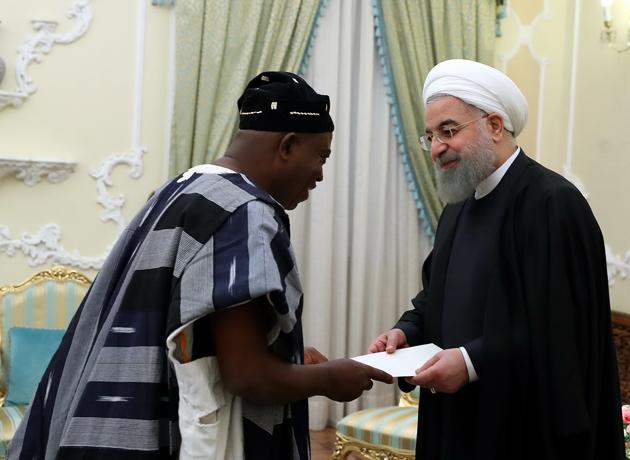 روحانی هنگام دریافت استوارنامه سفیر جدید غنا: تهران آماده توسعه همکاری بهداشتی و درمانی با غنا است