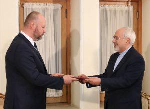 اعطای معرفی نامه نماینده جدید دفتر مبارزه با جرائم و مواد مخدر سازمان ملل متحد به دکتر ظریف