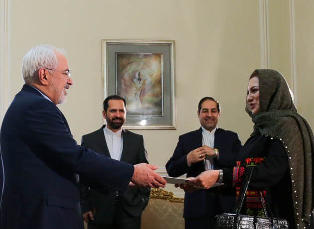 اعطای معرفی نامه نماینده جدید دفتر UNIDO به دکتر ظریف