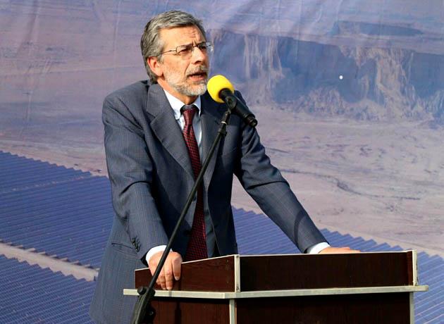 سفیر ایتالیا در ایران: بهره برداری نیروگاه انرژی پاک نشان از توجه به محیط زیست قشم است