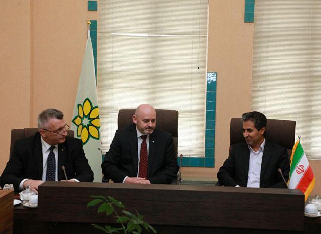 شهردار شیراز بر گسترش همکاری اقتصادی شیراز و جمهوری چک تاکید کرد