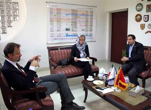 وابسته سفارت سوئیس در ایران از دانشگاه شریف بازدید کرد