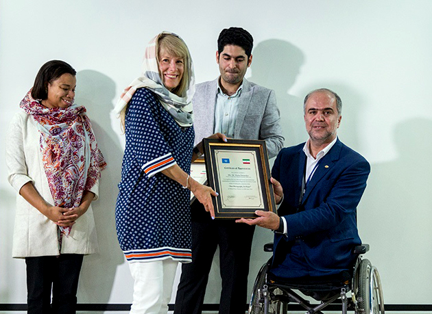 برگزاری همایش عکاسی جنگ، برای صلح با حضور رئیس مرکز اطلاعات سازمان ملل و نماینده سفارت هلند