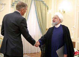 روحانی در دیدار سفیر جدید انگلستان: توپ در زمین اروپا است