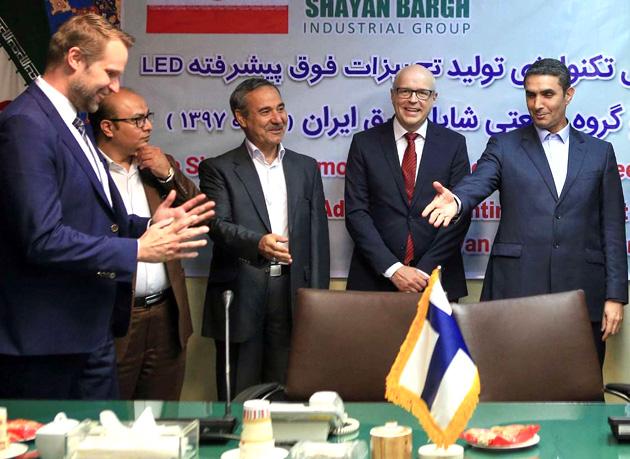 امضای قرارداد انتقال تکنولوژی فوق پیشرفته LED به ایران با حضور سفیر فنلاند