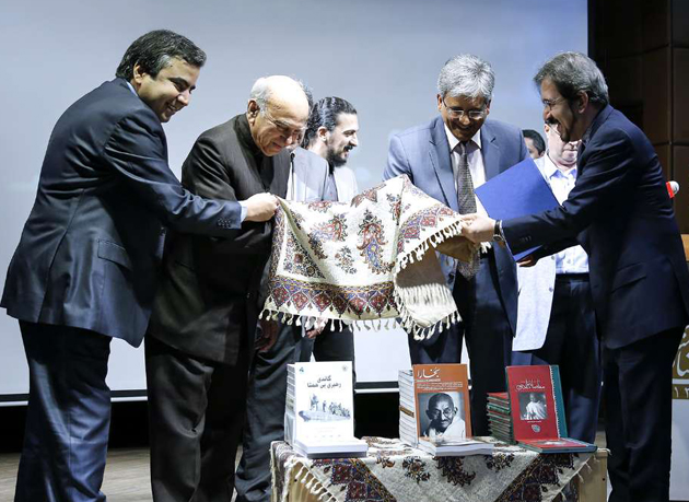 سفیر هند در تهران: گاندی سمبل صلح و عدم خشونت بود