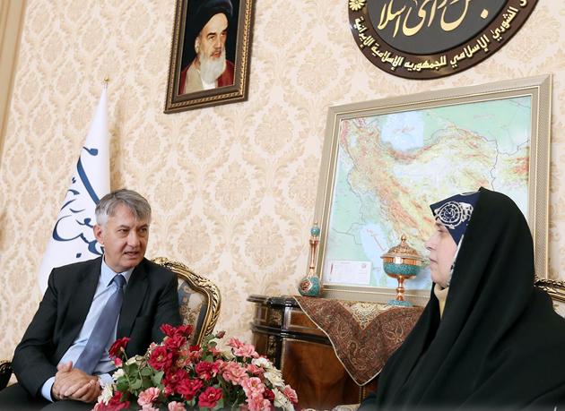 دیدار پروانه سلحشوری با سفیر صربستان در تهران