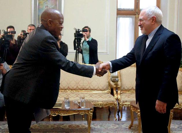 سفیر جدید سیرالئون رونوشت استوارنامه خود را تقدیم ظریف کرد