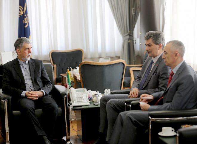 صالحی در دیدار با سفیر ترکیه: زیرساخت های خوبی در مناسبات فرهنگی ایران و ترکیه وجود دارد
