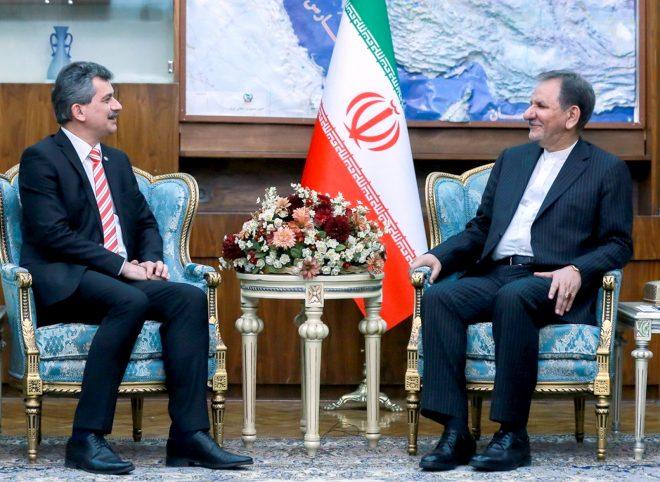 جهانگیری در دیدار سفیر ترکیه: ایران از حضور سرمایه گذاران ترکیه استقبال میکند