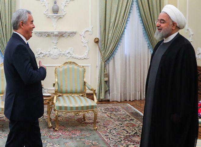 روحانی در دیدار سفیر جدید تاجیکستان: مراودات بازرگانان ایران و تاجیکستان روابط دو کشور را ارتقا میدهد