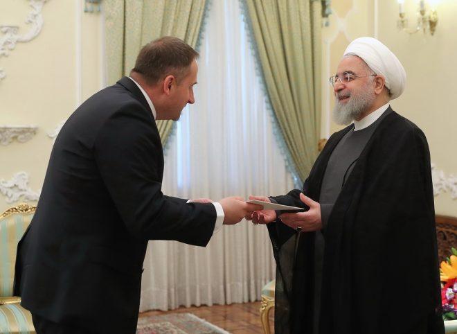 روحانی در دیدار سفیر جدید لهستان: روابط تهران-ورشو دیرینه و تاریخی است