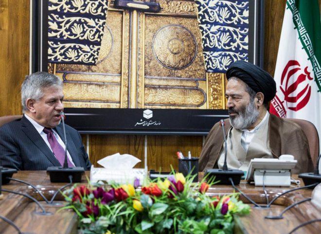 دیدار سفیر عراق در تهران با نماینده ولی فقیه در امور حج و زیارت