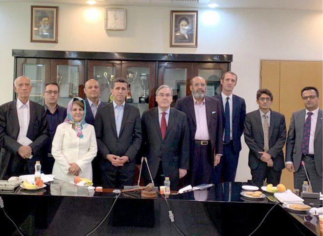 دیدار رییس و اعضای هیات مدیره کانون وکلای مرکز با سفیر، رایزن و مشاور حقوقی سفارت فرانسه