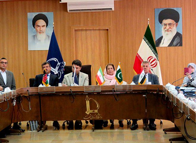 نشست سفرای کشور عراق، پاکستان و افغانستان با مسئولان دانشگاه فردوسی مشهد