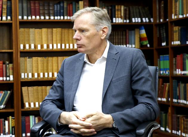 سفیر بریتانیا در ایران: حملات علیه کشتیهای تجاری در خلیج فارس اصلا خوشایند نیست.