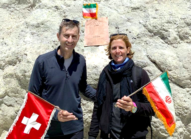 صعود سفیر سوئیس در ایران به قله دماوند