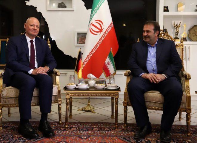 استاندار فارس خطاب به سفیر آلمان: آلمان سیاست مستقل خود را در قبال برجام نشان دهد