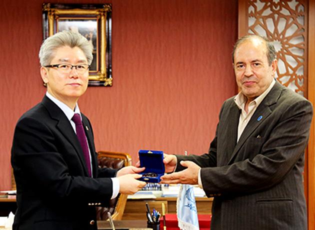 در راستای تعاملات علمی؛ سفیر کره جنوبی در ایران با رئیس دانشگاه تبریز دیدار کرد