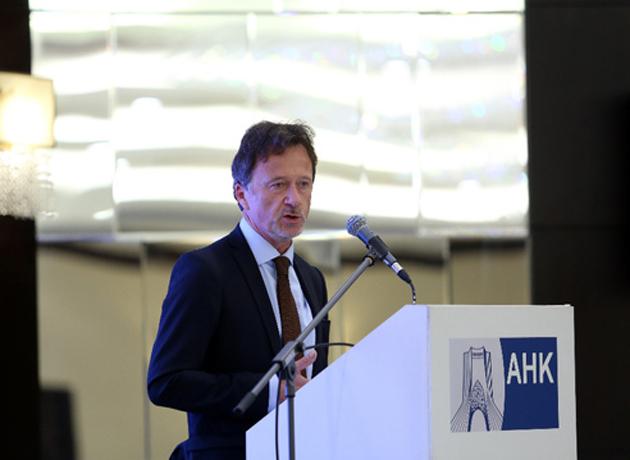 قائم مقام سفیر آلمان در ایران: مبادلات تجاری در اینستکس باید از هجوم آمریکا مصون بماند