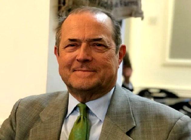 سفیر پیشین انگلیس: لغو تحریمهای نفتی آمریکا بهترین راه نجات برجام است