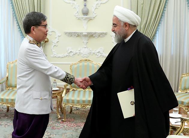 حسن روحانی: ایران و کامبوج ظرفیتهای بسیار خوبی برای گسترش همکاریها دارند