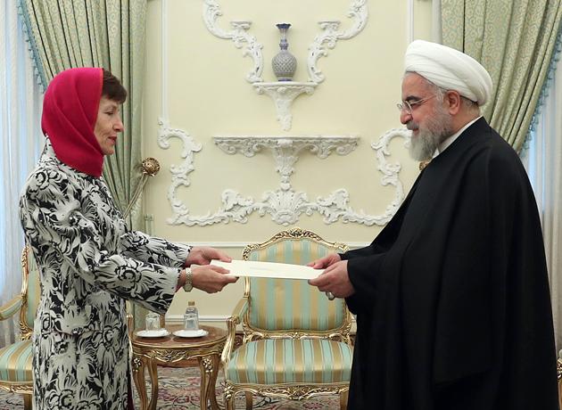 روحانی در دیدار سفیر جدید استرالیا: فروپاشی برجام به ضرر دنیا خواهد بود