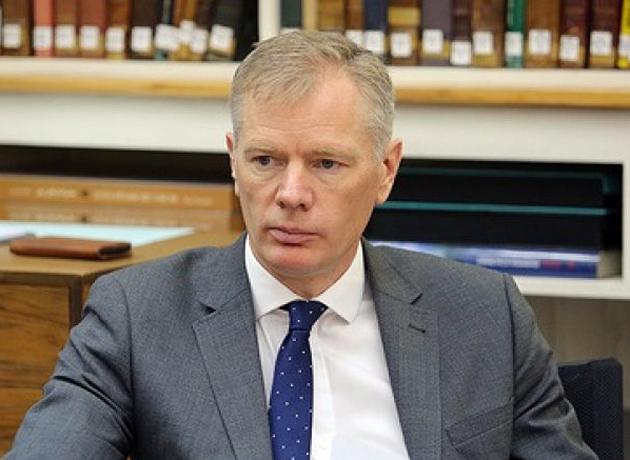 توضیحات سفیر انگلیس در واکنش به بازداشتش پس از شرکت در تجمع شب گذشته