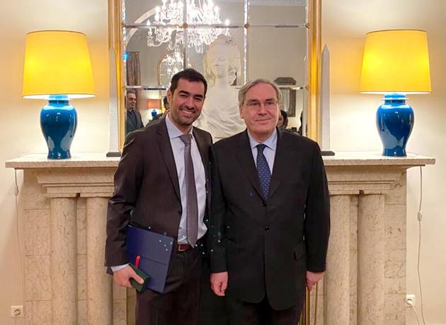 شهاب حسینی نشان فرهنگ و هنر فرانسه را دریافت کرد