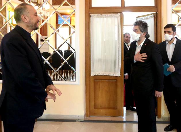 امیرعبداللهیان در دیدار سفیر ترکیه: تعامل سازنده بین کشورهای همجوار و منطقه در بهبود شرایط مؤثر است