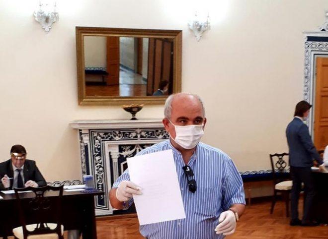 حضور سفیر روسیه در پای صندوق رای